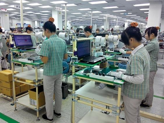 Tấm nhựa PVC làm mặt bàn thao tác công nghiệp